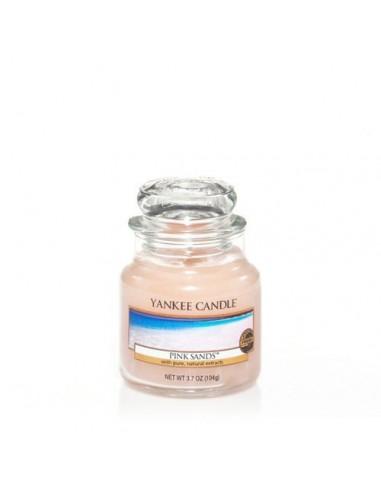 Pink Sands™ - ניחוח אקזוטי של חופי ים טרופים בשילוב הדרים, מלון, אוכמניות,עלי זית, מאסק ווניל- Yankee Candle